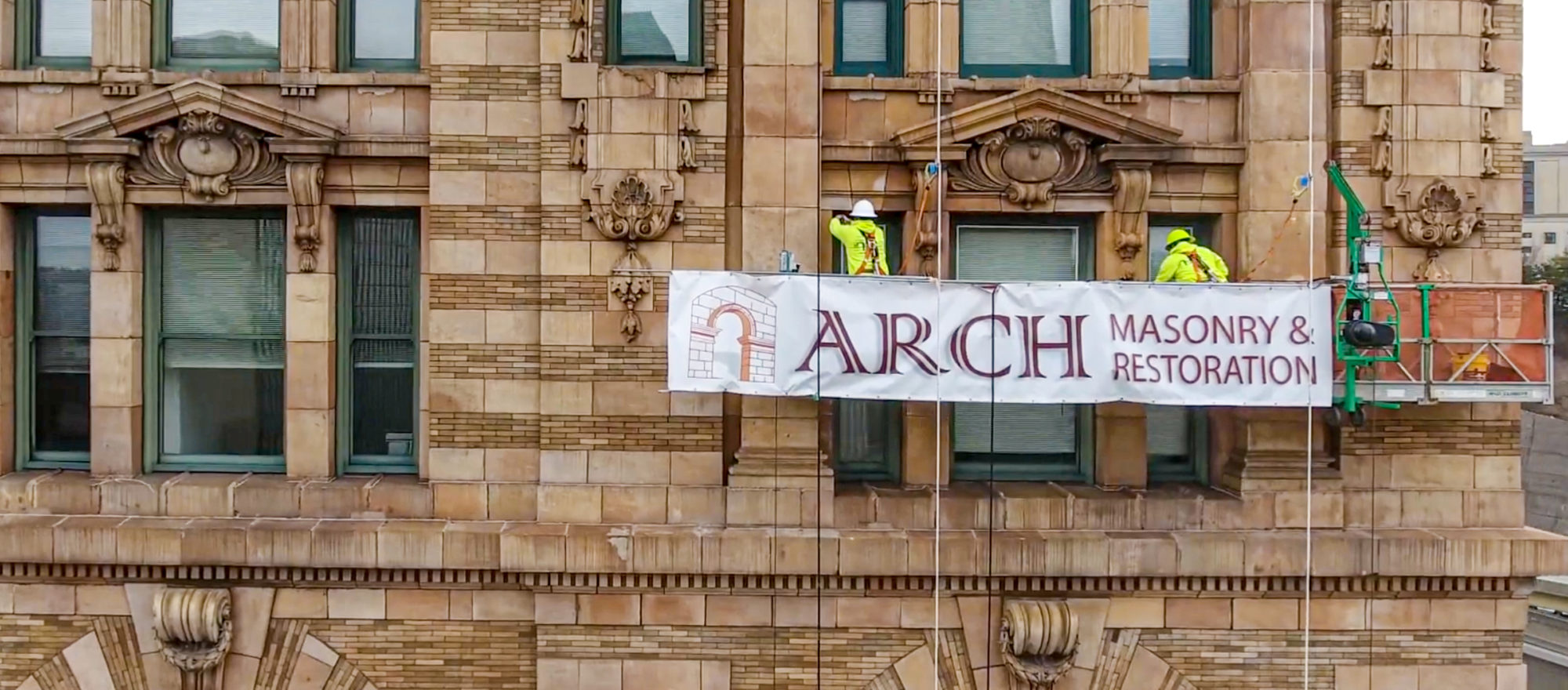 arch masonry crew